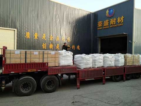 Refractory Fire Bricks Packaging & Transportation - RS Refractory Supplier